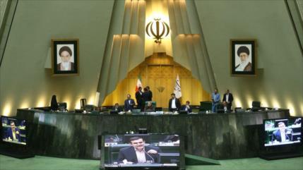 Parlamento iraní dice que revisará el alza de precios de gasolina