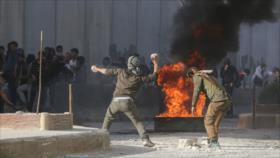 Sirios chocan con fuerzas turcas en protesta por su ocupación