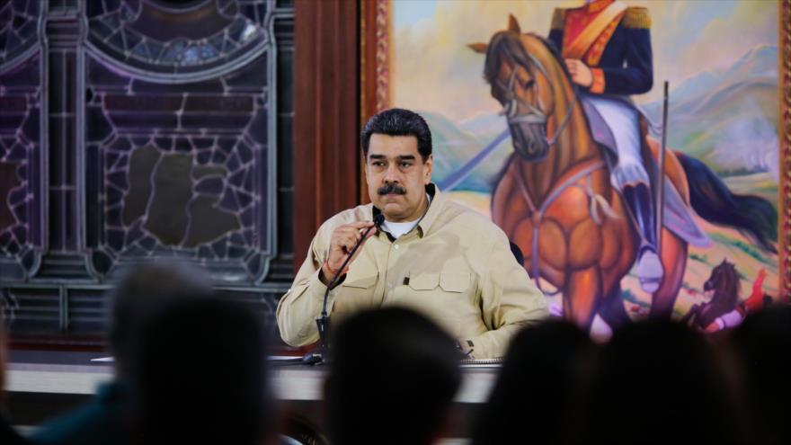 El presidente de Venezuela, Nicolás Maduro, en una reunión con los gobernadores estatales en Caracas, 11 de noviembre de 2019. (Foto: AFP)