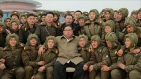 Kim supervisa maniobras y promete crear un 'ejército invencible'