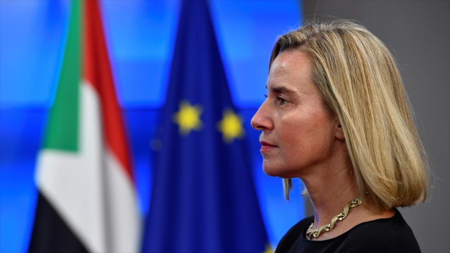 La jefa de la Diplomacia de la Unión Europea (UE), Federica Mogherini, antes de una reunión en Bruselas, 11 de Noviembre de 2019. (Foto: AFP)
