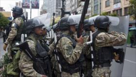 Gobierno de facto de Bolivia equipa a FFAA en medio de represiones