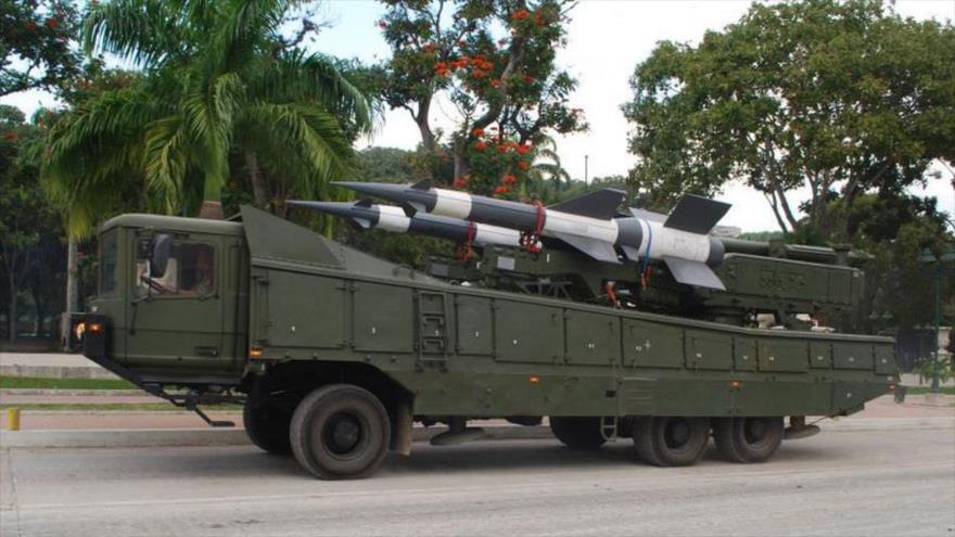 Sistema de defensa antiaérea Pechora-2M, de fabricación rusa, en un desfile militar en Venezuela.