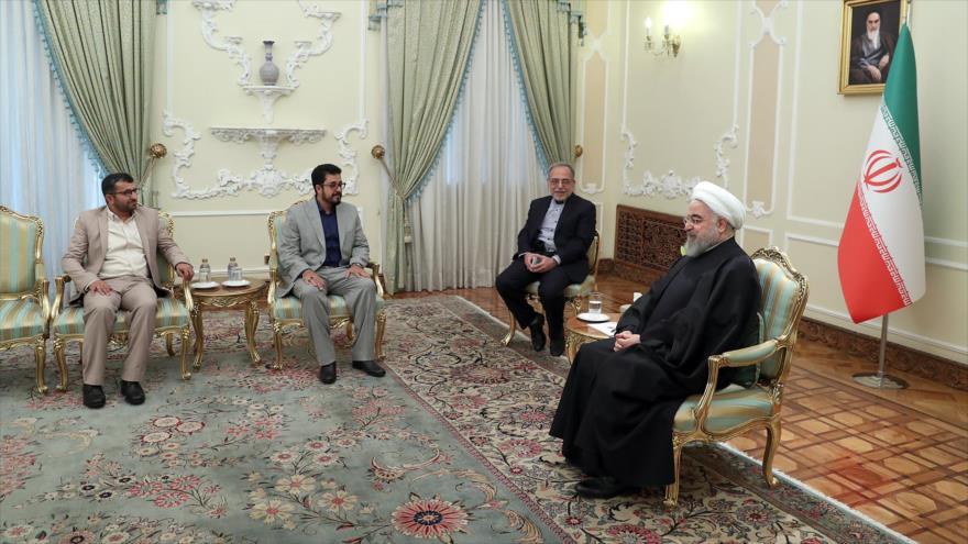 El mandatario persa, Hasan Rohani, reunido con el nuevo embajador de Yemen, Ibrahim Mohammed bin Mohammed al-Dulaimi, 19 de noviembre de 2019.