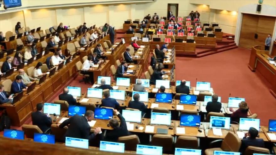 Parlamentarios chilenos piden juicio político contra Piñera