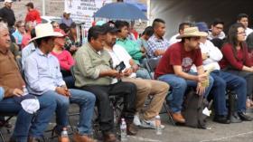 Campesinos mexicanos mantienen bloqueada la Cámara de Diputados