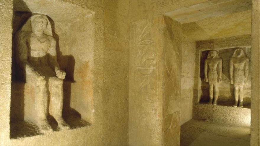 La capilla de la tumba de Qar, supervisor de los complejos piramidales de Keops y Micerinos en la ciudad egipcia de Giza.