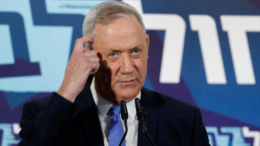 El dirigente del partido azul-blanco israelí, Benny Gantz, ofrece una rueda de prensa en Tel Aviv, 20 de noviembre de 2019. (Foto: AFP)