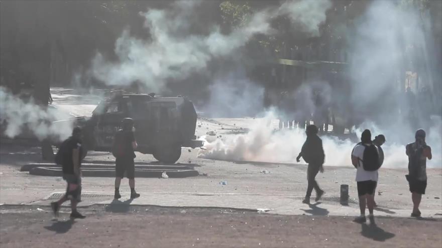 No cesa la represión policial contra manifestantes en Chile