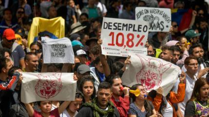 Colombianos salen a protestar contra políticas de Duque