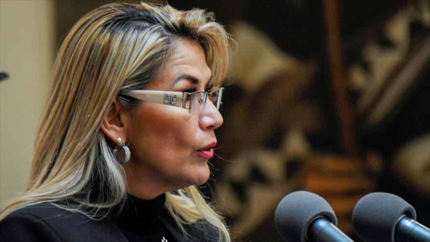 Presidenta interina de Bolivia, Jeanine Áñez, en una reunión con el cuerpo diplomático internacional en Palacio Quemado, La Paz, 22 de noviembre de 2019. (Foto: AFP)