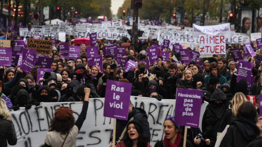 Miles de franceses protestan contra la violencia de género