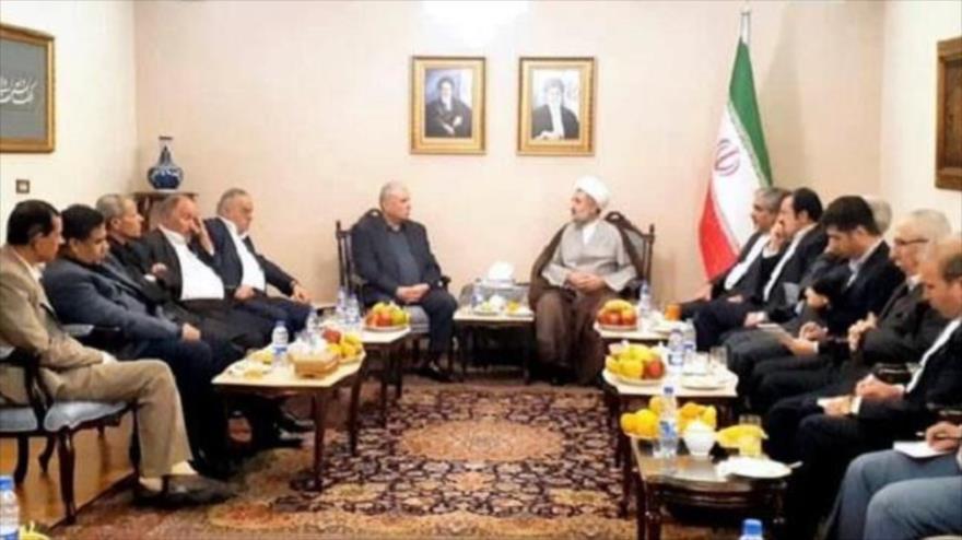 El parlamentario iraní el hoyatolislam Moytaba Zonnuri se reúne con líderes de grupos palestinos en Damasco, 23 de noviembre de 2019.