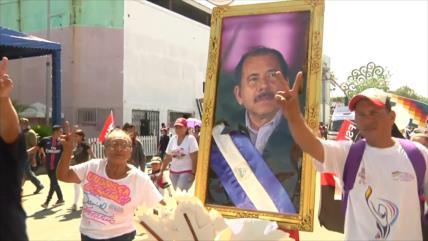 Sandinistas marchan en apoyo a Ortega y por la paz en Nicaragua