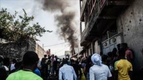 Avión se estrella en un barrio del Congo y deja 27 muertos