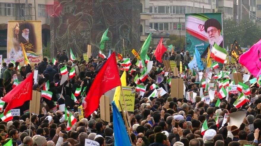 Miles de capitalinos en Irán condenaron los actos vandálicos