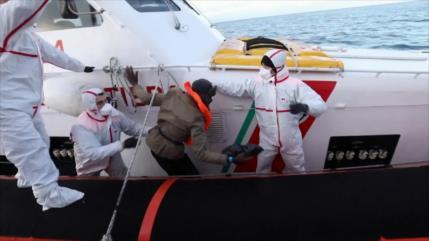Rescatan otros 140 migrantes en las aguas del Mediterráneo