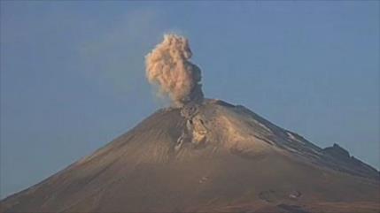 Vídeo: Se registran explosiones en el volcán mexicano Popocatépetl
