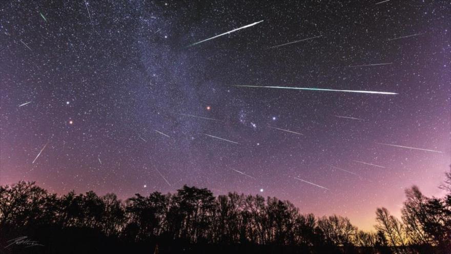 Última lluvia de estrellas del año iluminará los cielos en diciembre | HISPANTV