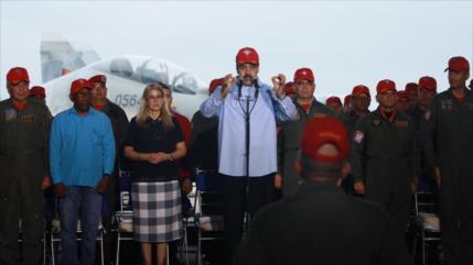 Maduro denuncia complot desde Colombia contra Aviación venezolana
