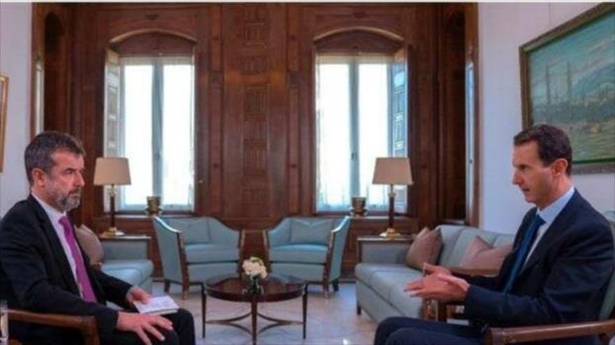 El presidente de Siria, Bashar al-Asad (dcha.), ofrece una entrevista a la revista francesa Paris Match publicada el 28 de noviembre de 2019. (Foto: SANA)