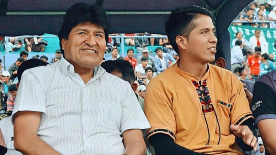 El dirigente cocalero Andrónico Rodríguez (dcha.) junto al depuesto presidente de Bolivia, Evo Morales.