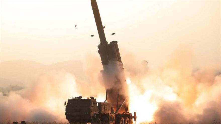 """Corea del Norte prueba un sistema de lanzamiento múltiple de cohetes """"súper grande"""", 29 de noviembre de 2019. (Foto: KCNA)"""