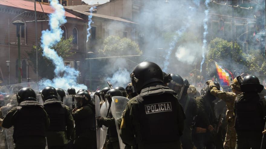 Lizárraga amenaza a periodistas que cubren protestas en Bolivia   HISPANTV