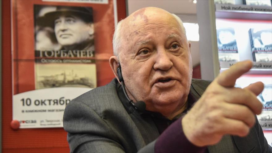 Mijaíl Gorbachov, el último dirigente soviético, habla durante la presentación de un libro en Moscú, capital rusa, 10 de octubre de 2017. (Foto: AFP)