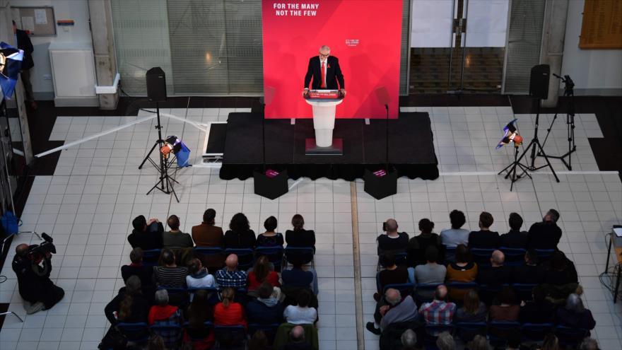 Corbyn acusa a Boris Johnson de ser el mayor adulador de Trump