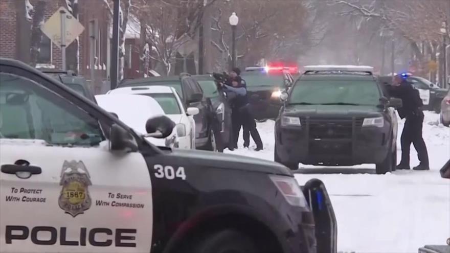 Un hombre asesina a 2 niños en EEUU y entra en una casa