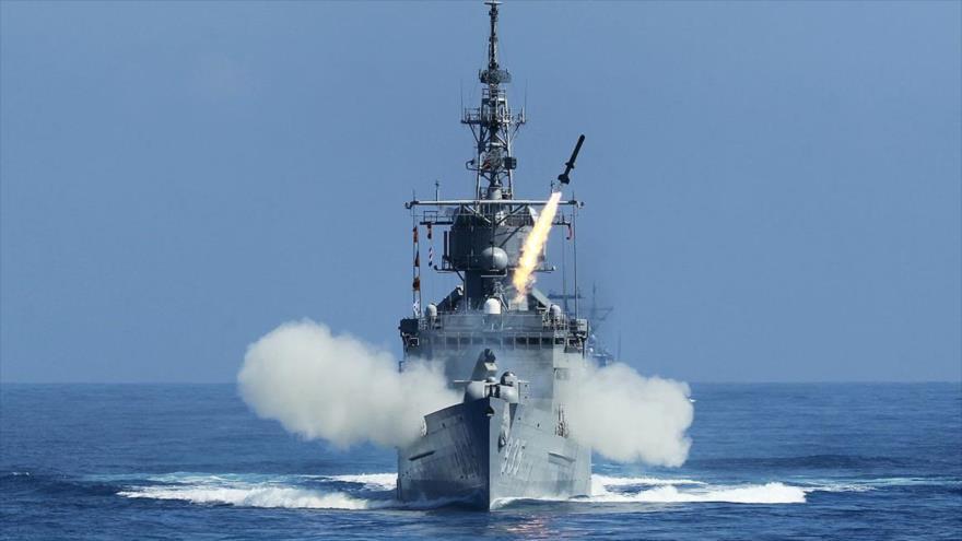 Una fragata clase Perry de Taiwán durante los ejercicios militares Han Kuang.