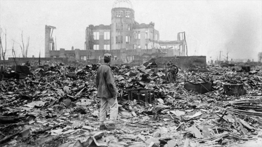 El 6 de agosto de 1945 una bomba atómica de uranio enriquecido por EEUU explotó a una altura de 600 metros sobre Hiroshima.