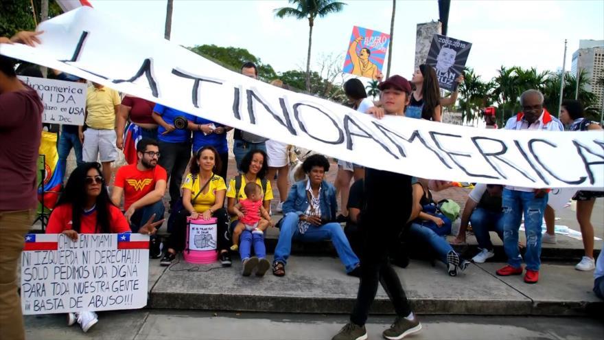 Lationamericanos de Miami protestan contra injerencia de EEUU | HISPANTV
