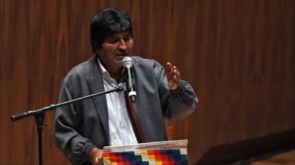 Morales llama 'defensor de dictaduras' a enviado de Áñez