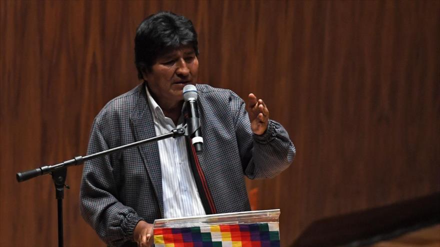 El depuesto presidente de Bolivia, Evo Morales, pronuncia un discurso en México, 26 de noviembre de 2019. (Foto: AFP)