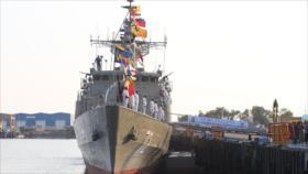 Armada iraní recibe un destructor, un submarino y lanchas rápidas