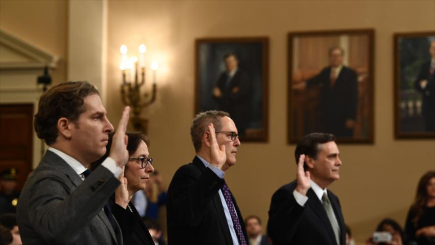Juristas ven base para el 'juicio político' contra Trump