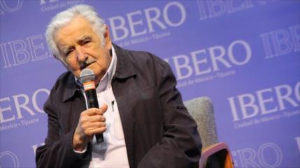Mujica pide a mexicanos tolerancia y rechaza 'disparate' de Trump