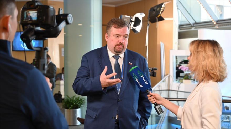 Antón Morozov, miembro del Comité de Asuntos Internacionales de la Duma de Estado de Rusia (Cámara Baja).