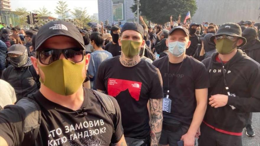 Ucranianos entre los manifestantes en Hong Kong.