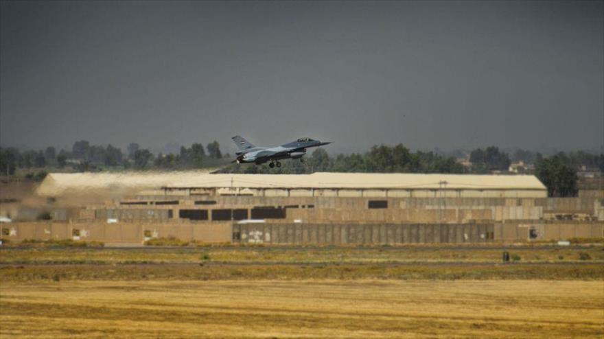 Un caza F-16 iraquí en la base aérea de Al-Balad, en la provincia de Salah al-Din en Irak, 17 de junio de 2019. (Foto: airforce.com)