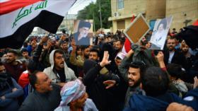 Iraquíes apoyan a Muqtada al-Sadr tras un ataque a su residencia
