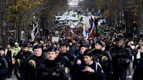 Francia vive la 3.ª jornada de huelga con choques y bloqueos