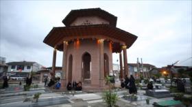 Irán: 1- La ciudad de Marvast 2- Mirza Kuchak Khan