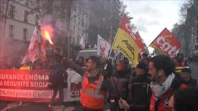 Franceses se manifiestan contra desempleo y precariedad en París