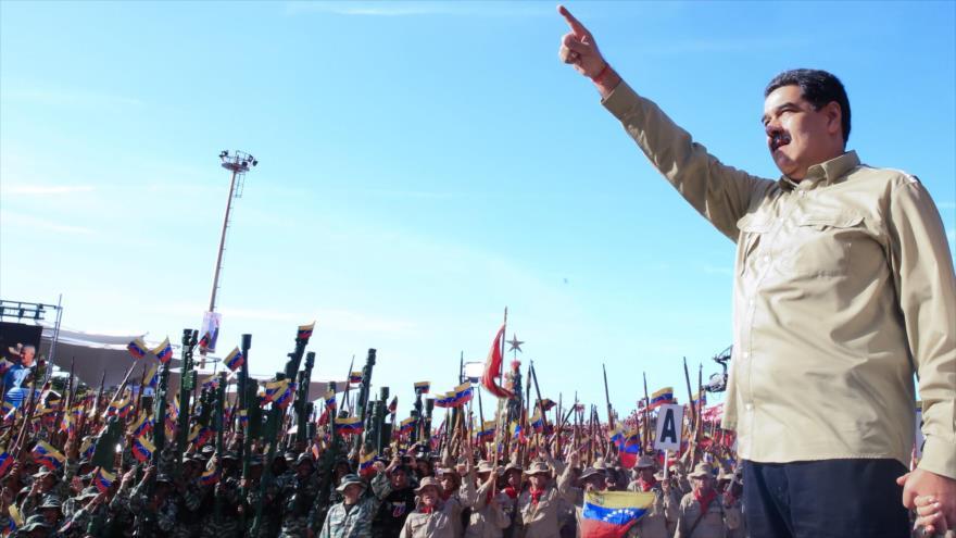 Maduro juramenta a 3 millones de milicianos ante amenazas de EEUU