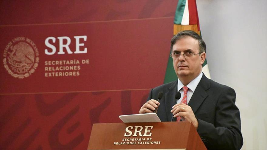 México ordena vuelta de su embajador por robar libro en Argentina
