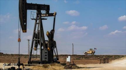 Congresista tacha de robo el control de EEUU de petróleo en Siria