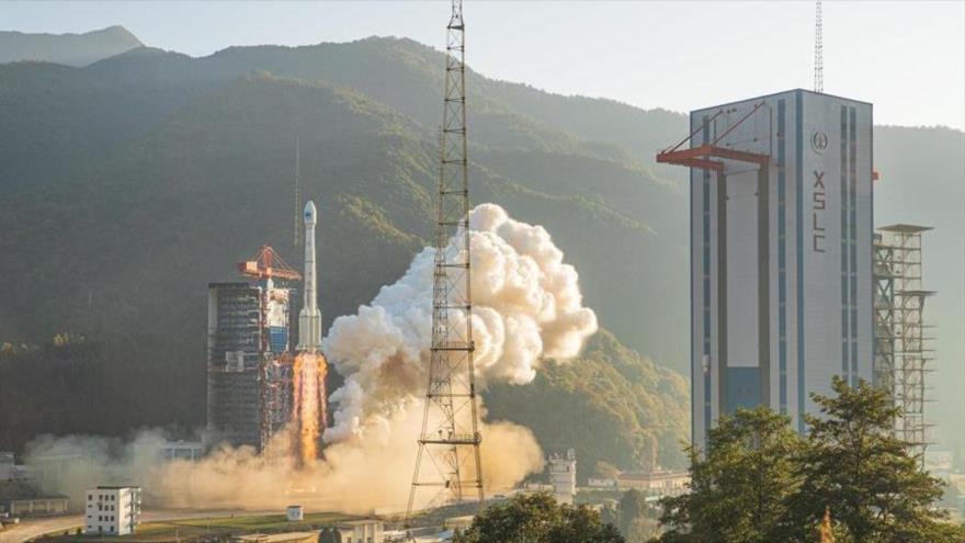 Un cohete Long March 3B lanza dos nuevos satélites de navegación BeiDou desde Xichang (Sichuan, China), 23 de noviembre de 2019.